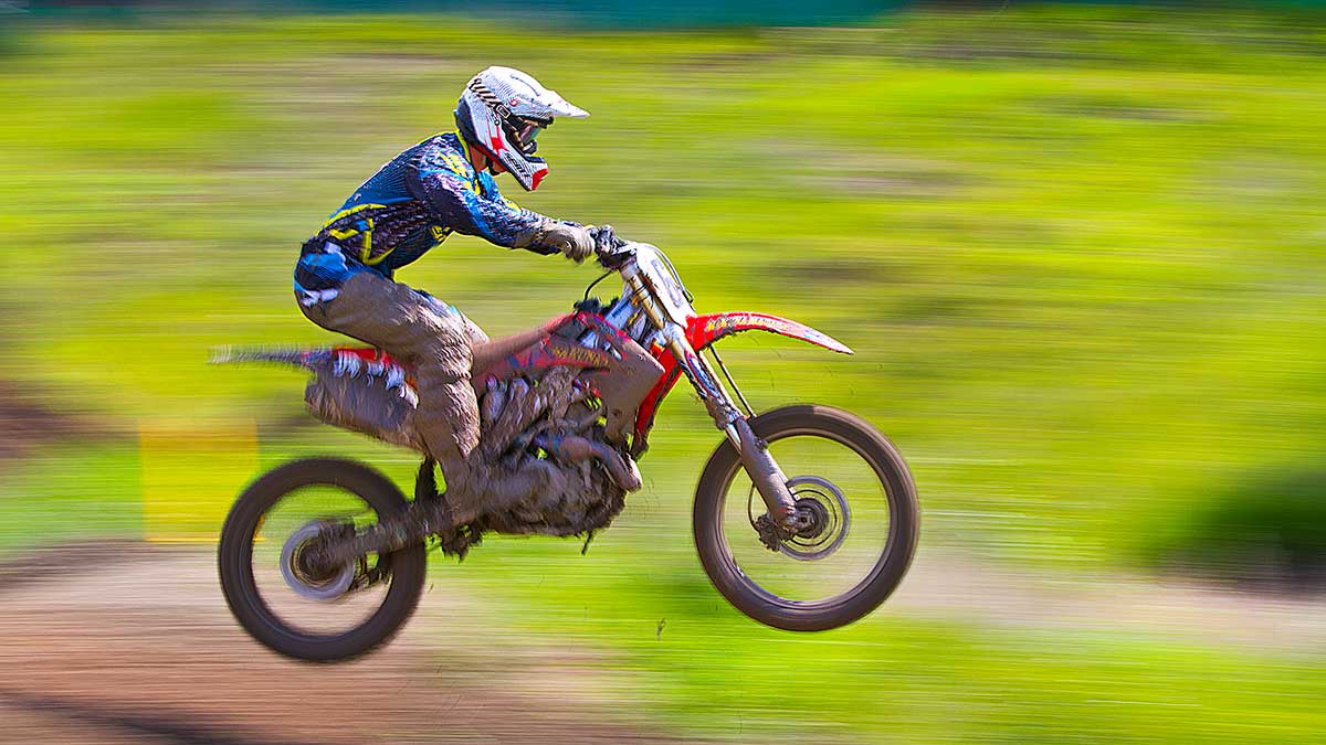 Moto Cross raceer by Robert Berdan ©